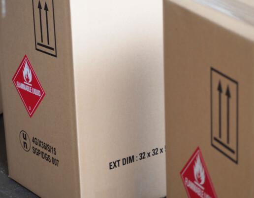 Flammable Liquid repacking in 4G carton box